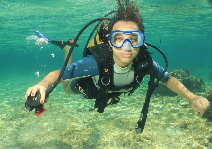 쿠바에서 스쿠버 다이빙